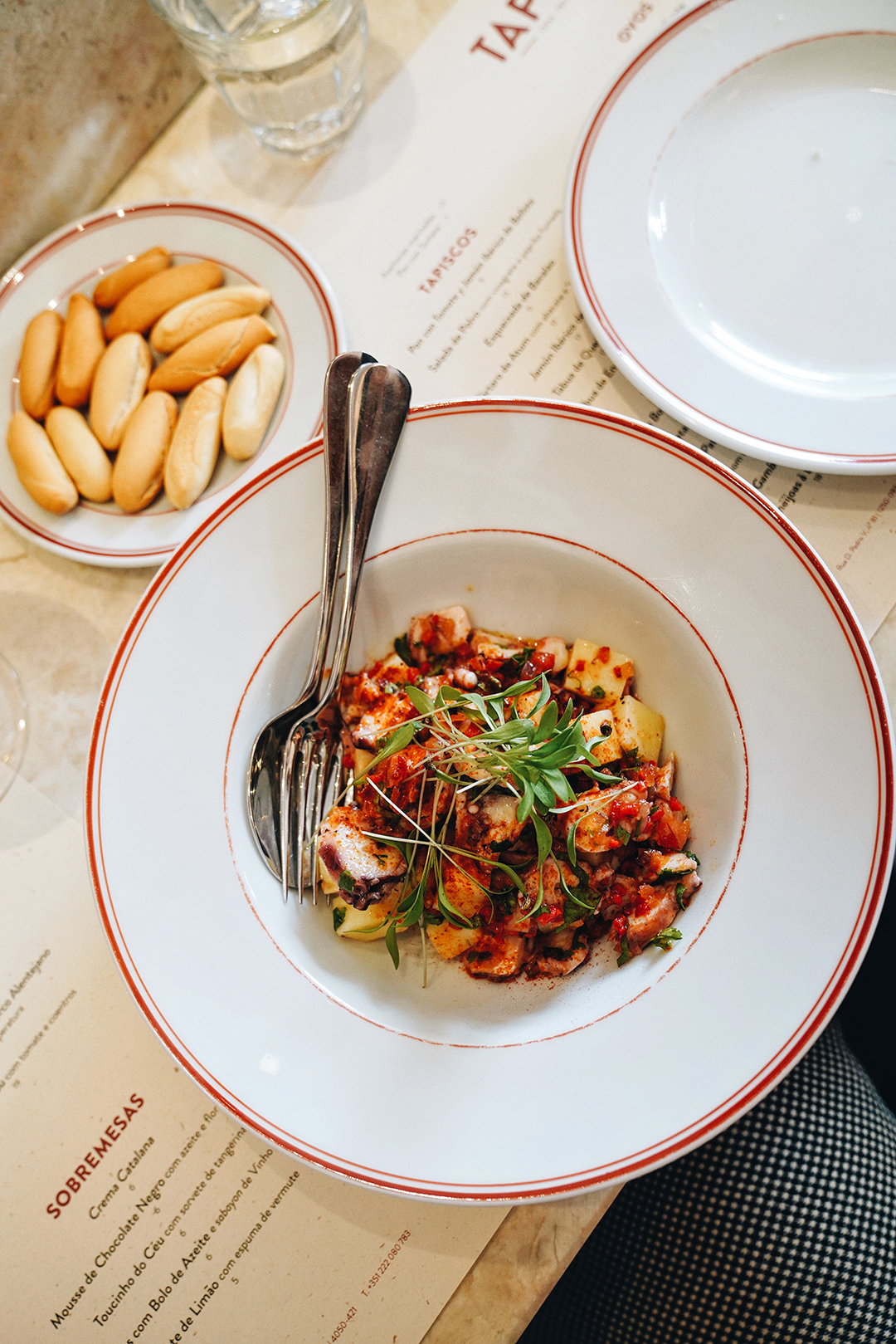Salada de Polvo com vinagrete e paprika fumada