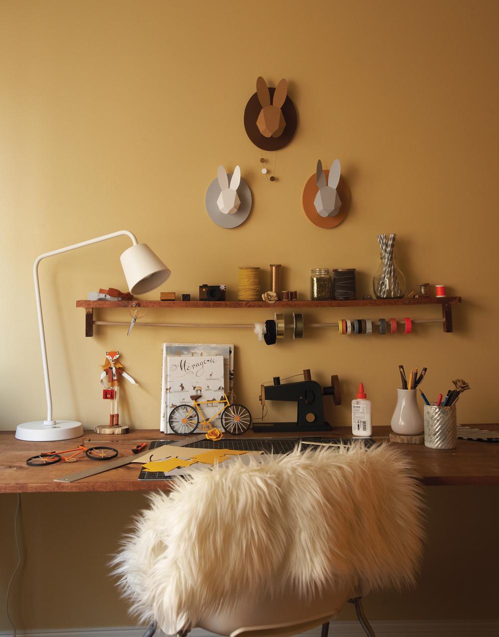 Ilasco_Styling_Anthology-Feury-desk.jpg