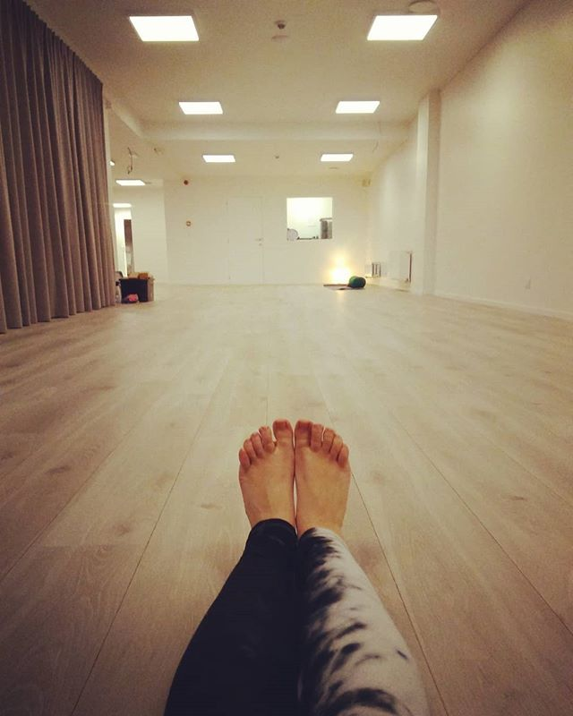 Laatste lessen voor de vakantie!! Vanavond zwangerschapsyoga 19u15 en Hatha Marma Yoga 20u15! Let's love life! @ahimsayogabelgium  #ahimsayogabelgium #prenatalgentleyoga #gent #ayurveda #kayaveda #kayavedabelgium