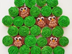 owl-tree-cupcake-cake.jpg
