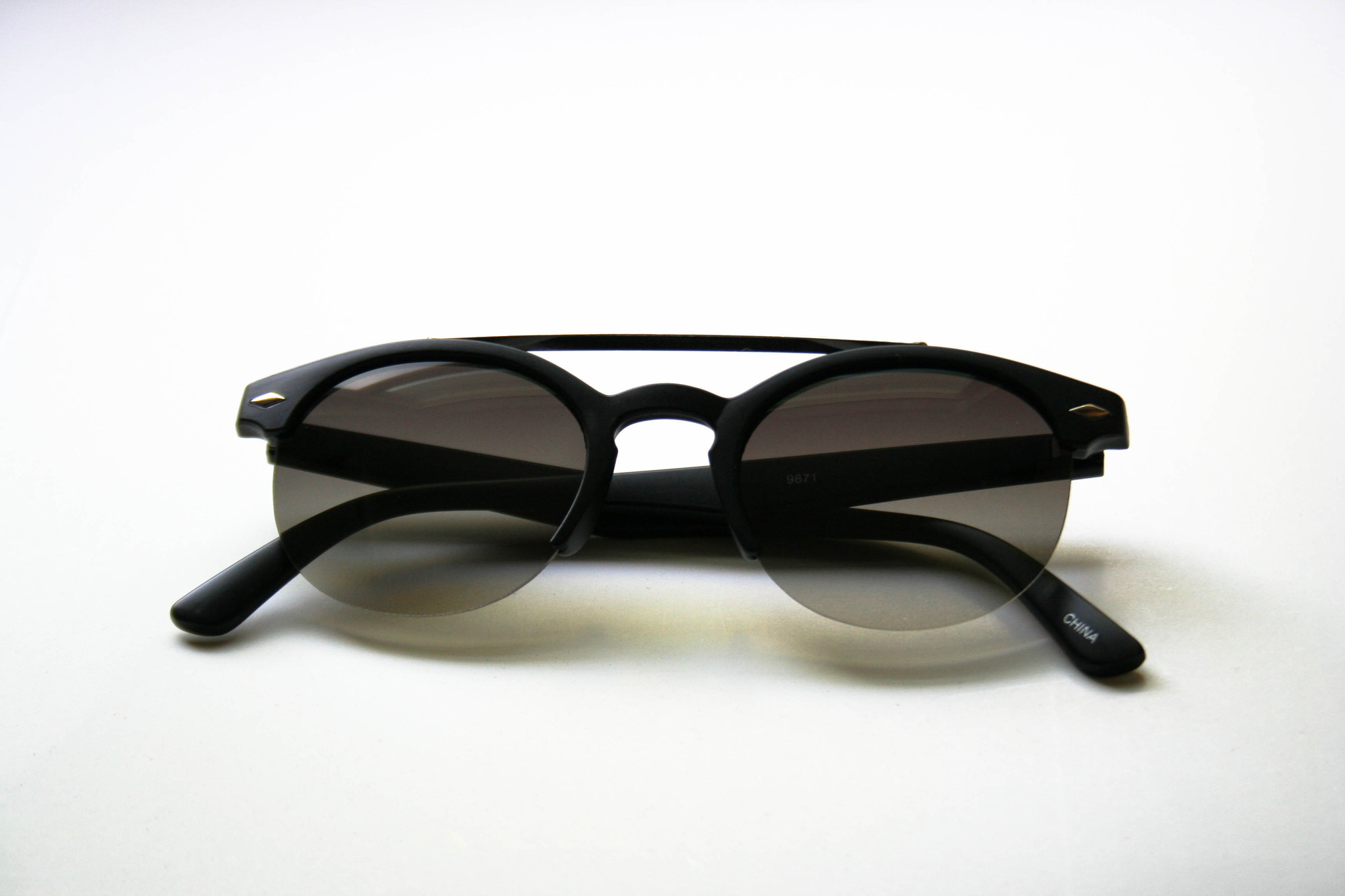 Linear-Black
