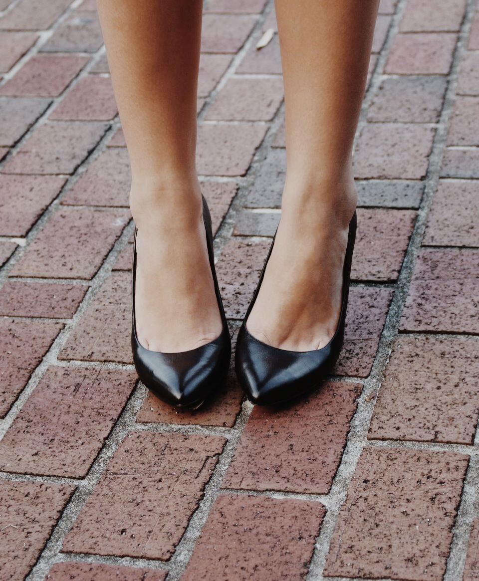 Making sure to let the python-print dress do all the talking, I kept my accessories simple and opted for these Vince Camuto black leather pumps from Nordstrom Rack.