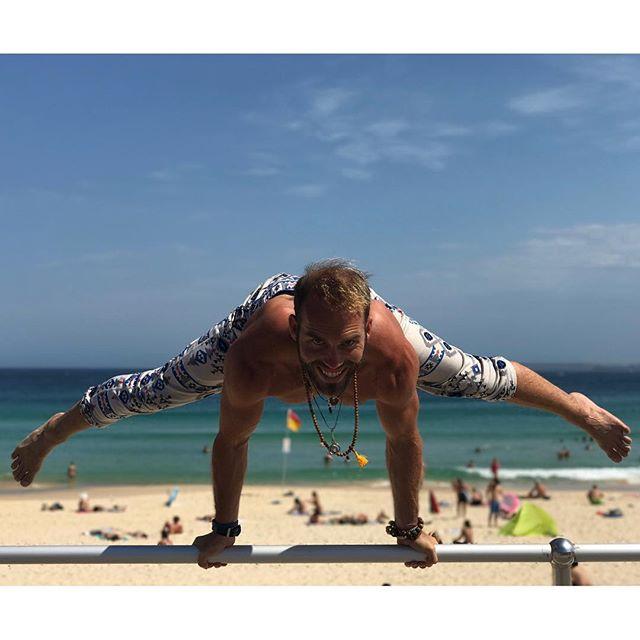 Sending good vibes from Bondi back to cali. The ninja culture and beach workout communities are growing world wide and it makes me smile. Thanks for the photo my friend @bondi_cali. Keep spreading the postive @pimovementninja vibes! #pimovementninja #bondibeach #bondi #musclebeach #australia #ninjawarrior