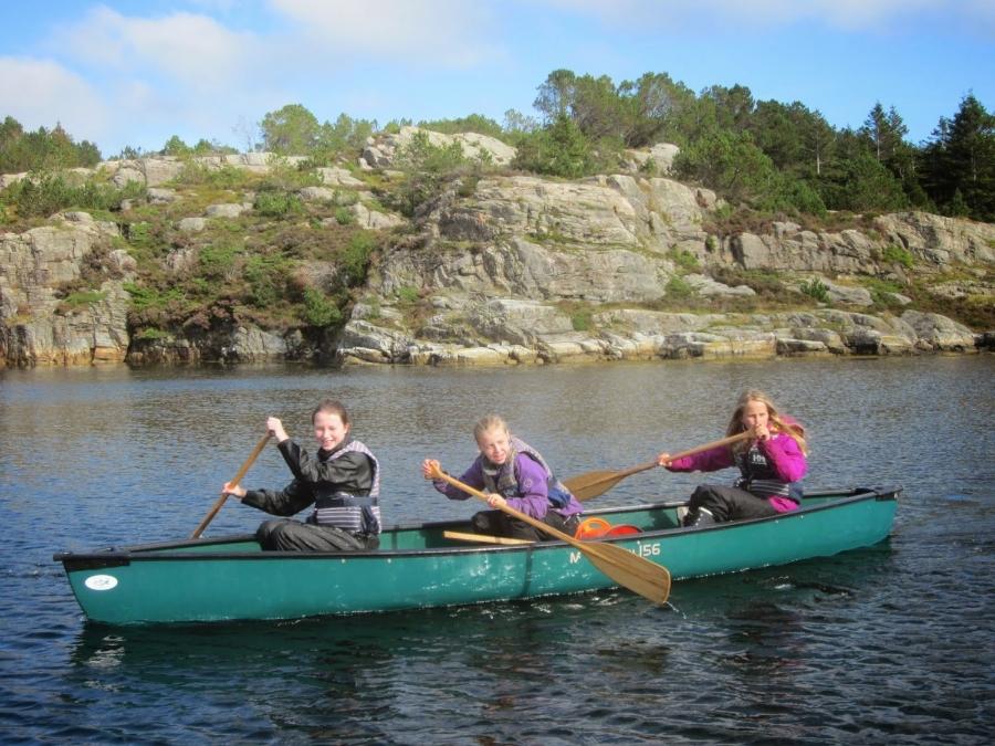 Marine biology on a canoe trip