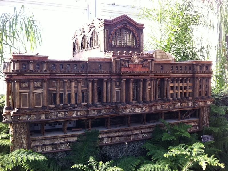 trainpennstation.JPG