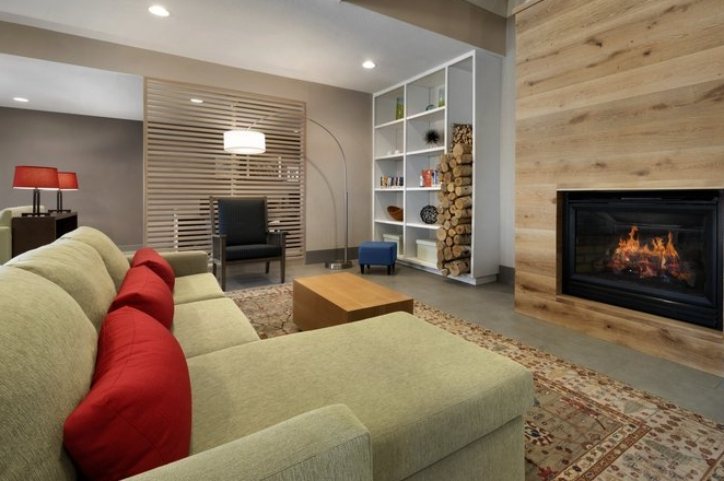 CIS_HGMI_-_Living_Room_with_Fireplace_-_1188088_P.jpg