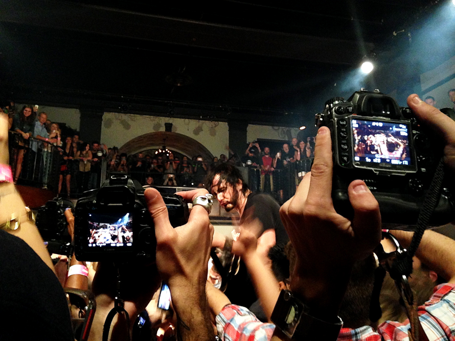 Reignwolf in crowd cameras galore.jpg