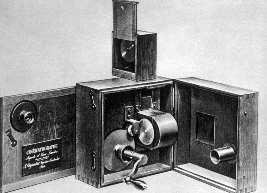 the-lumiere-cinematographe-introduced-everett.jpg