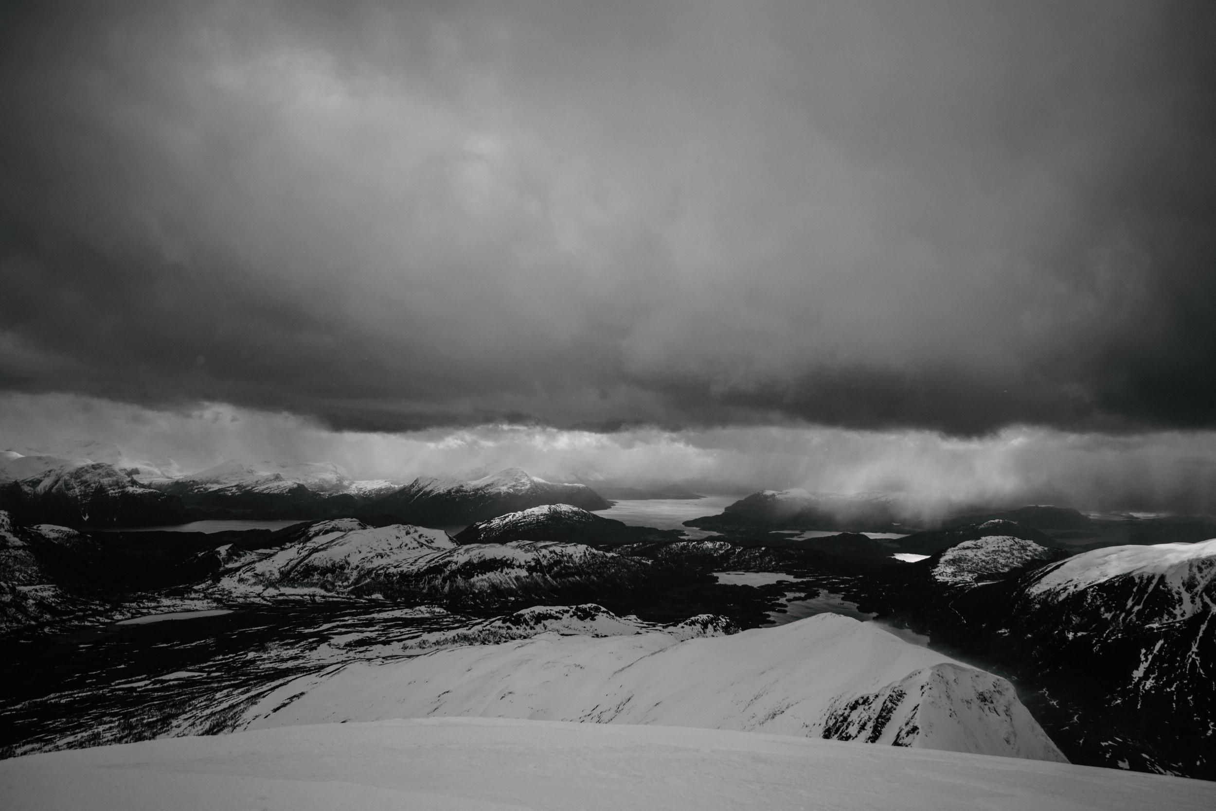 SkiingDay1-1145.jpg