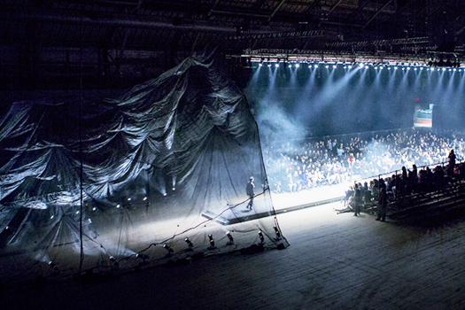 En Noir F/W 2014 — Architectural Installation