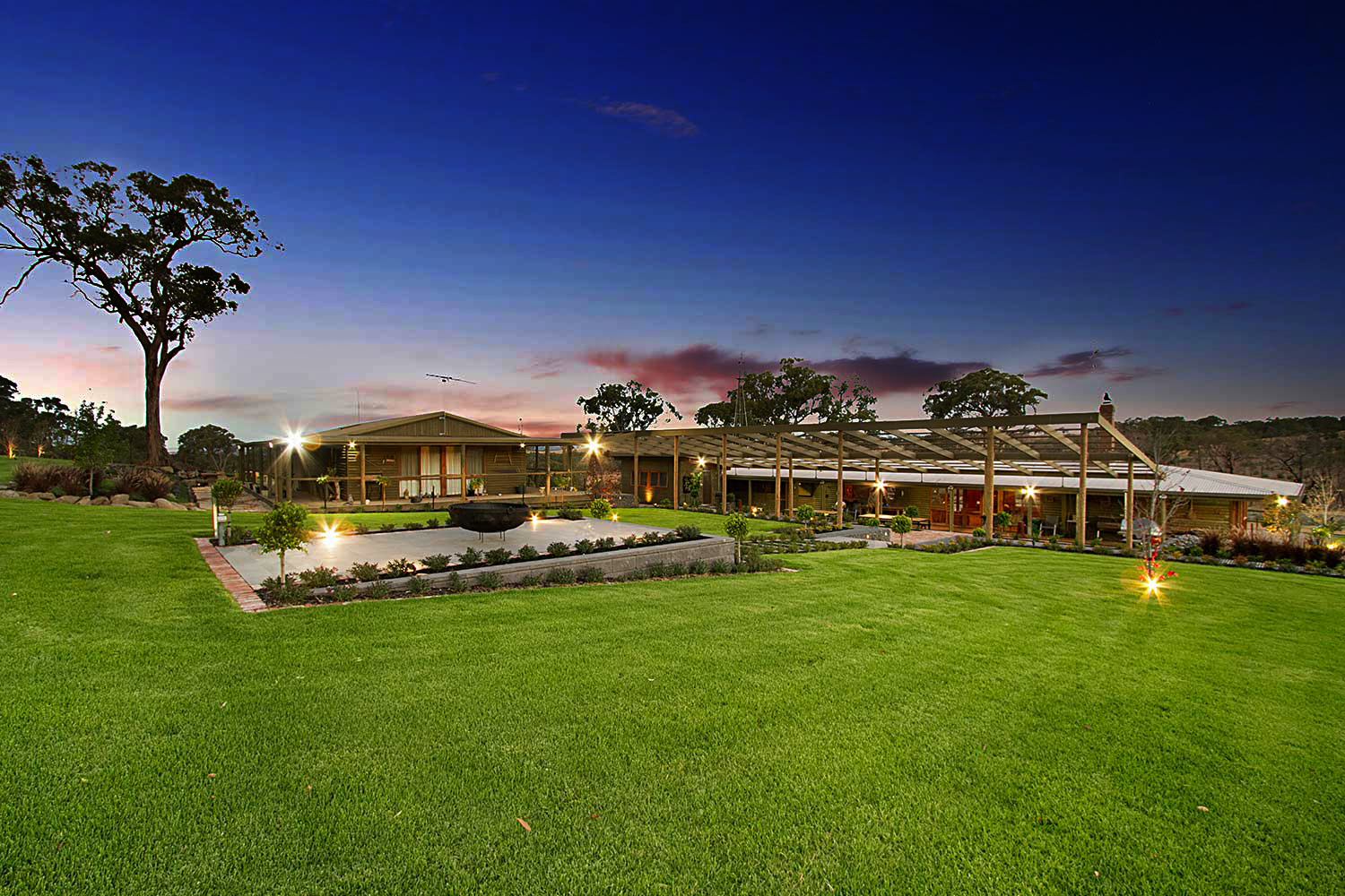 LANCEFIELD COUNTRY RETREAT