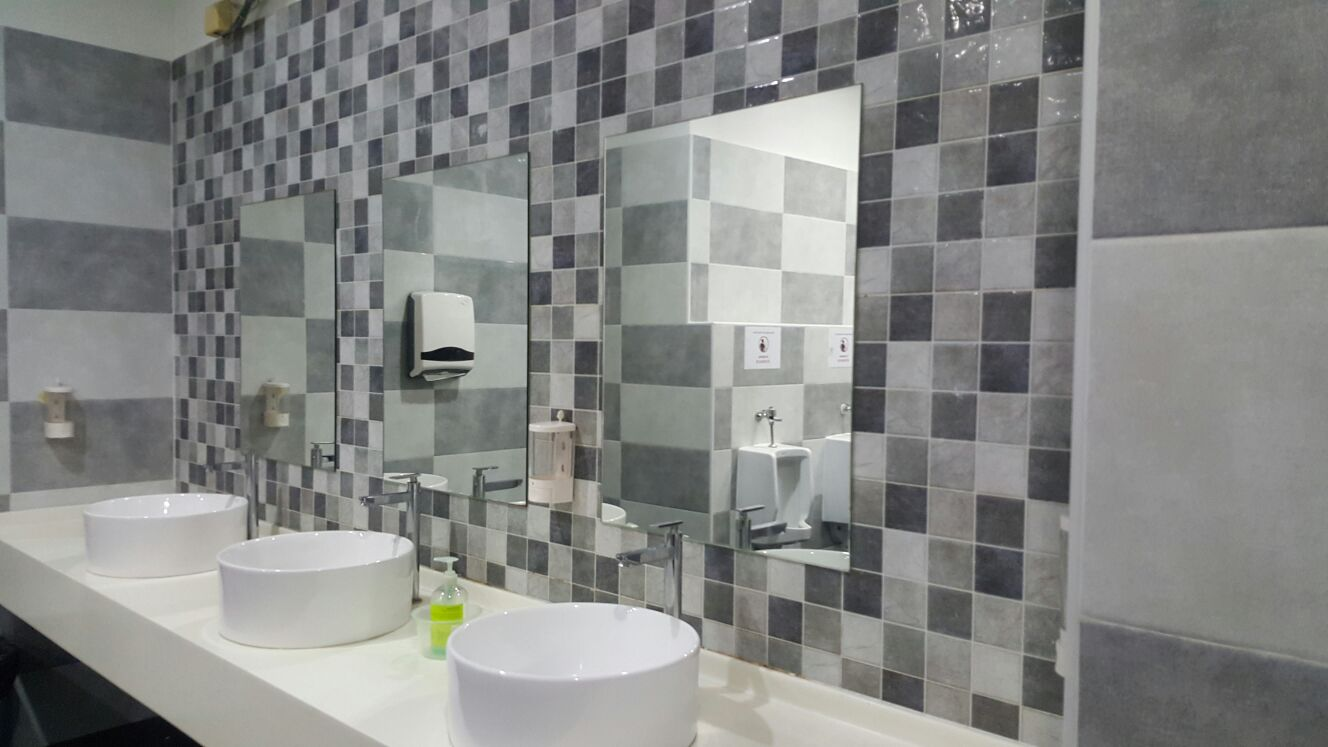 commerical-jnj-toilet-1
