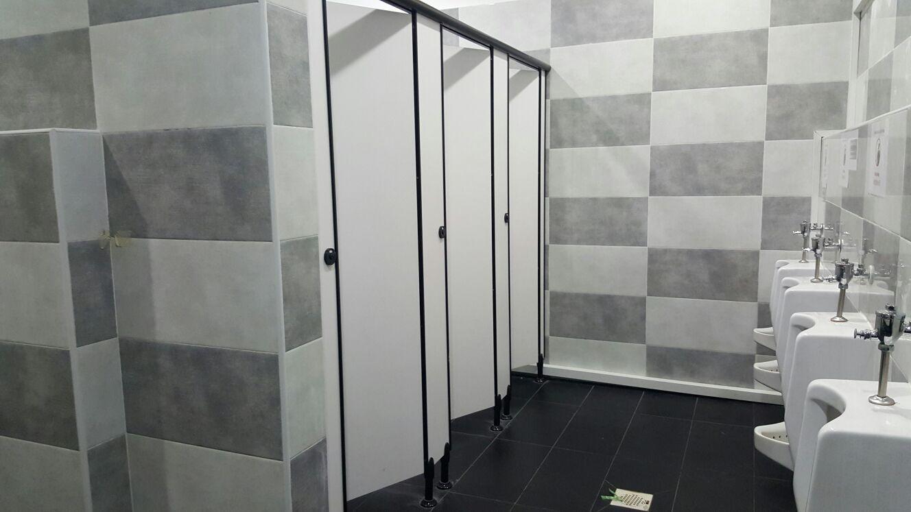 commercial-jnj-toilet-2