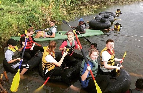 During the first week on all our Mental Health Placements, volunteers undertake training and orientation, with time spent team-building in the jungle. Through zip lining, raft making and rafting, volunteers in India spend some time in nature getting to know each other better. These activities work on volunteers' communication, teamwork and problem solving skills to prepare them for working together on projects. Good luck on your first projects this week, team! You'll do amazing. 🙌⠀ 📷: our #SLVIndia partners @naf_kar2_mysore who organise our Mental Health Placement's Adventure Day. 🇮🇳⠀ #india #teambuilding #mentalhealthplacements #psychologyworkexperience #rafting #fun