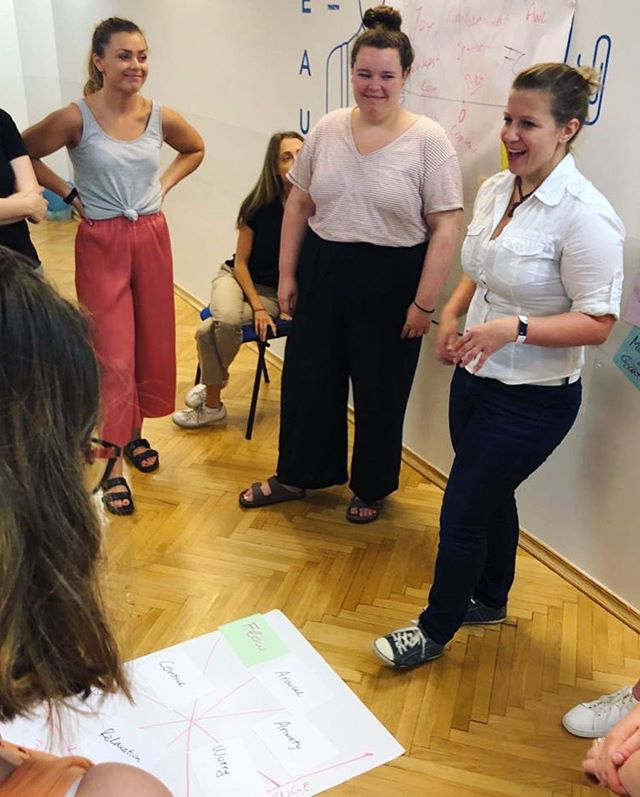 Today's immersive #SLVEurope workshop on #PositivePsychology led by #theHappinessAcademy had participants tapping into mindfulness, strengths, flow, creative mindset and gratitude. Having knowledge about all these incredible topics is great, but practicing how to apply these learnings to your life is even better! #GetIntoIt #SLVGlobal 📷: Director of Operations, @slvlee - head to her account for live updates! 🇭🇺🇭🇷