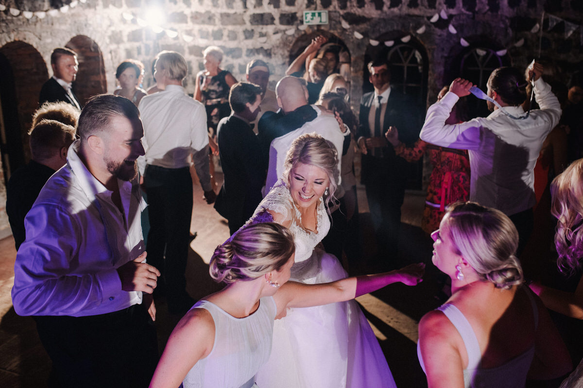 2018_Wedding_Häät_LauriHyttiPhotography (32).jpg