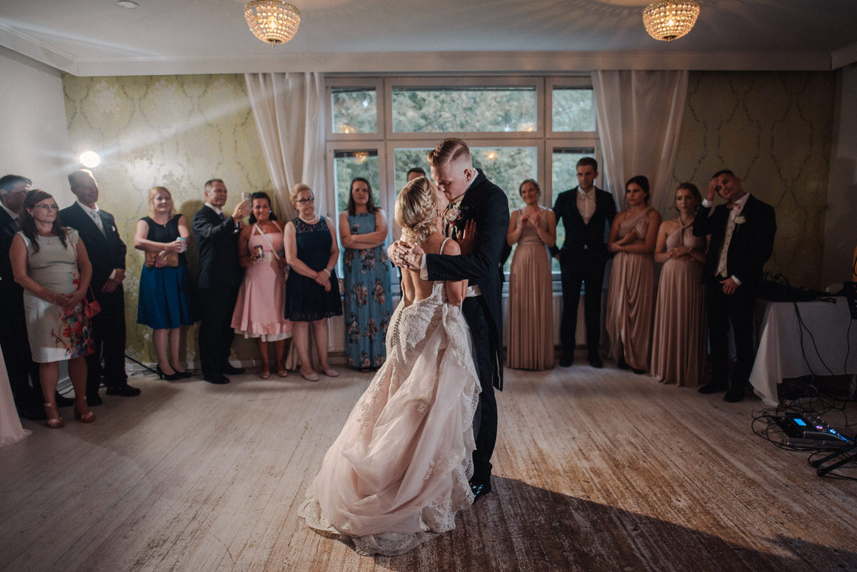 2018_Wedding_Häät_LauriHyttiPhotography (54).jpg