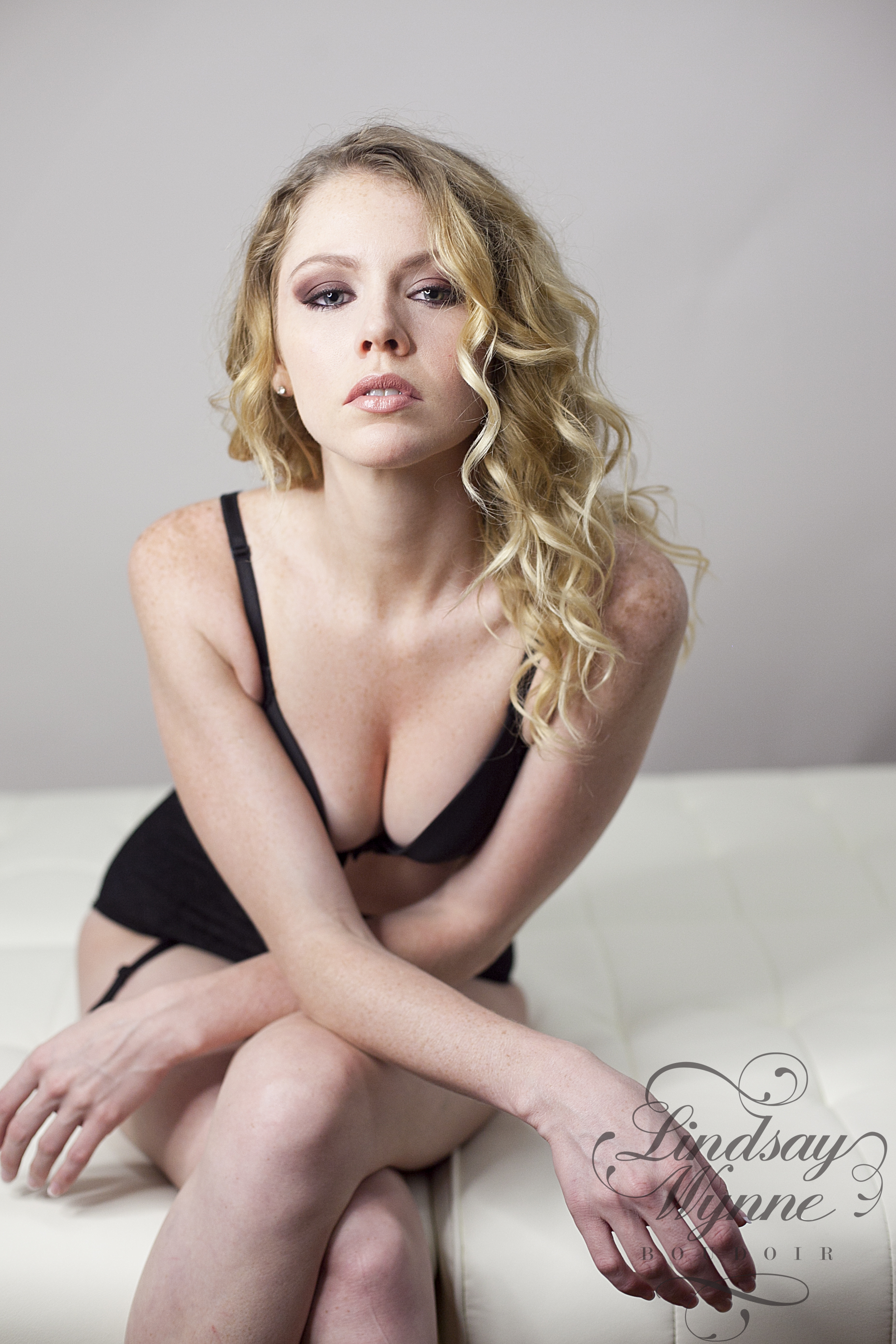 Lindsay Wynne Boudoir-Luxuy Boudoir Charlotte NC-Miss K 023.jpg