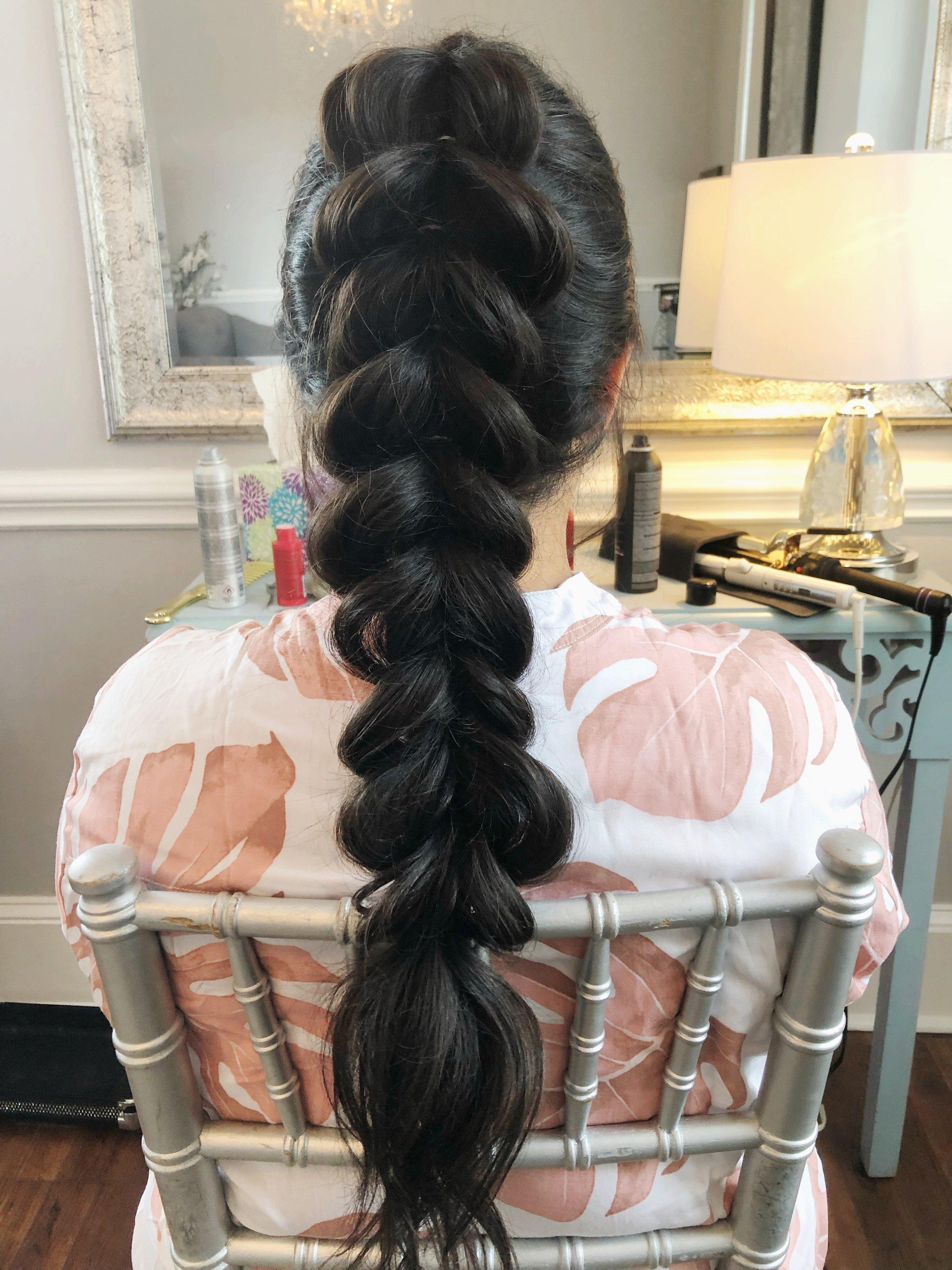 bridesmaid-wedding-hairstyle