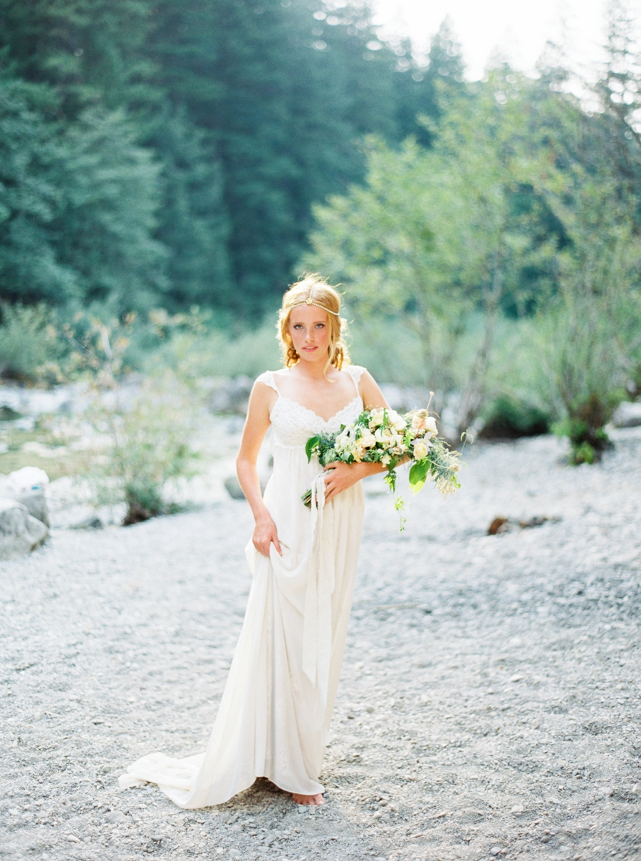 fine-art-film-bridalportraits-abrookshire22