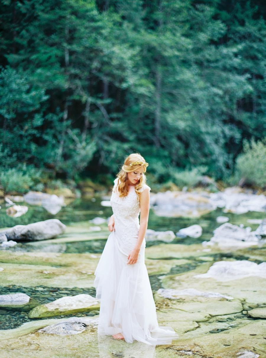 fine-art-film-bridalportraits-abrookshire26