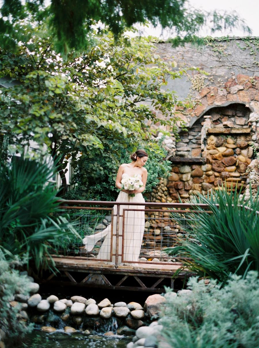 fine-art-film-weddings-abrookshire16