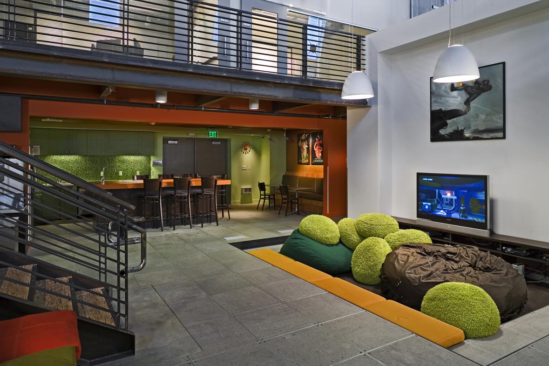 e_interior5_kitchen.jpg