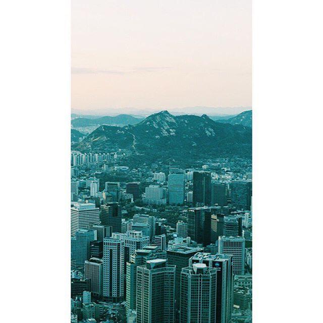 Got Seoul.  #korea #asia #seoul #travel #vscophile #vscocam #streetphotography #mobilephotography #mpnselects #fotomobile #fotoguerilla #dazedandexposed #streettogs #iphonography #shotoniphone7plus #iphone7plus #在路上 #手机照片