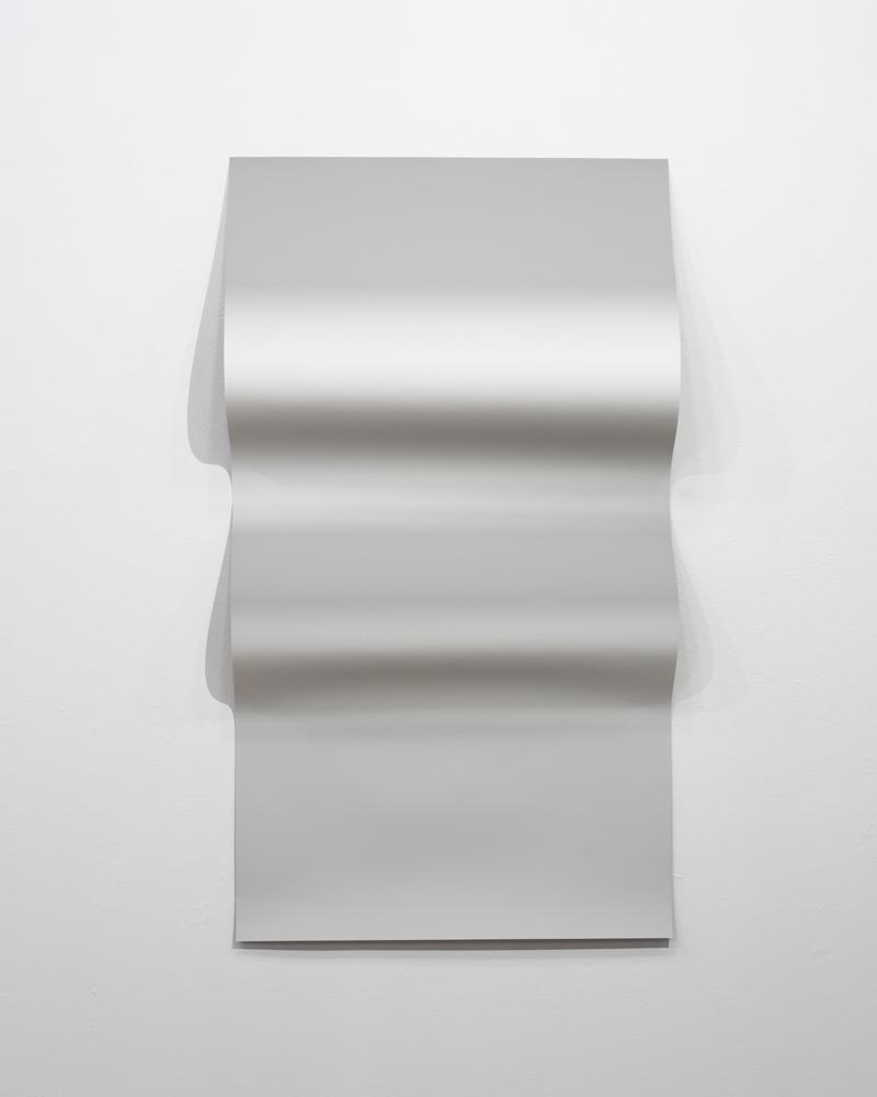 Resembling shadows (Metallic Grey)