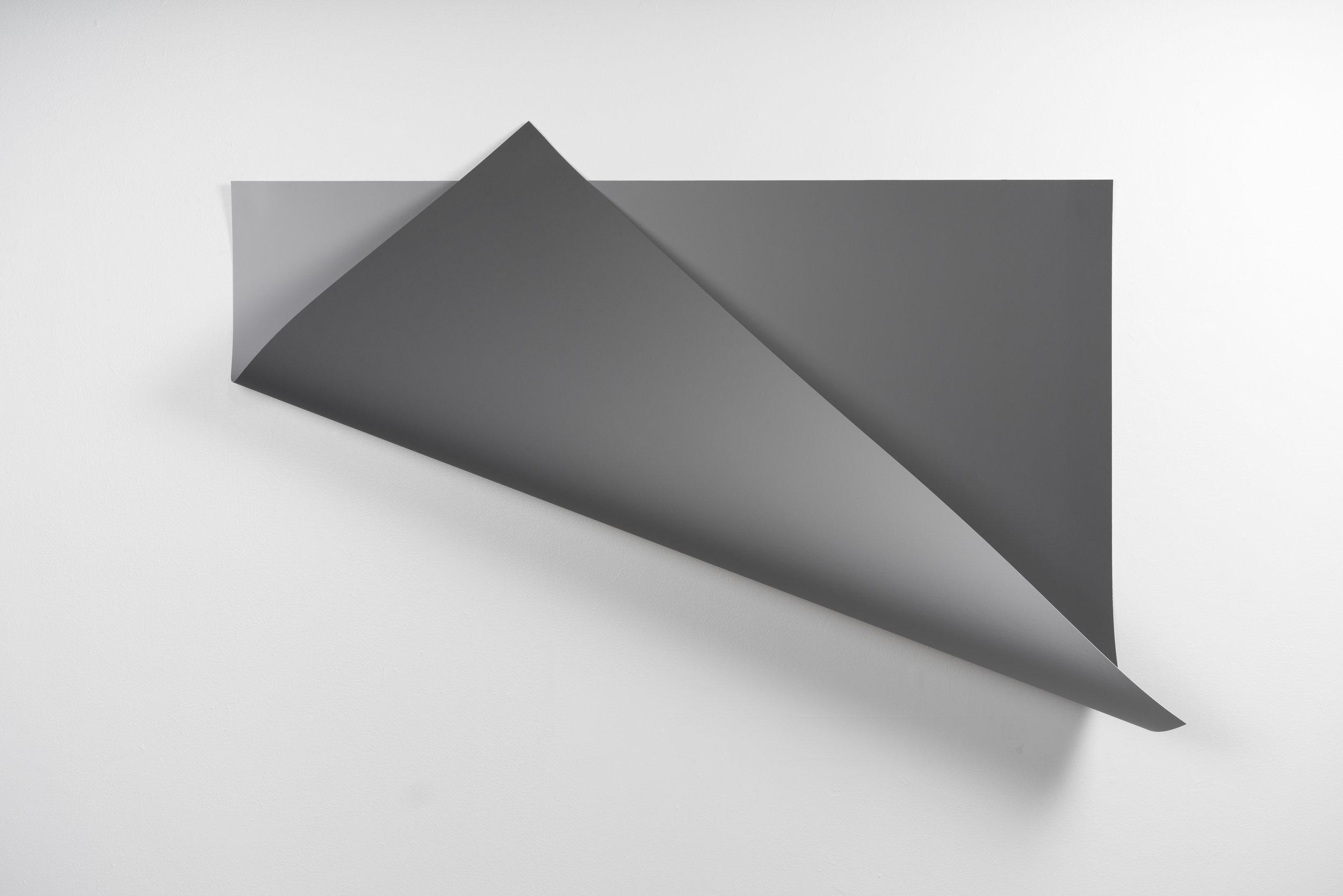 Between grey, Variation II