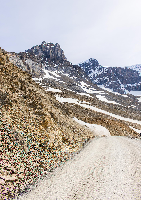 en route to athabasca glacier