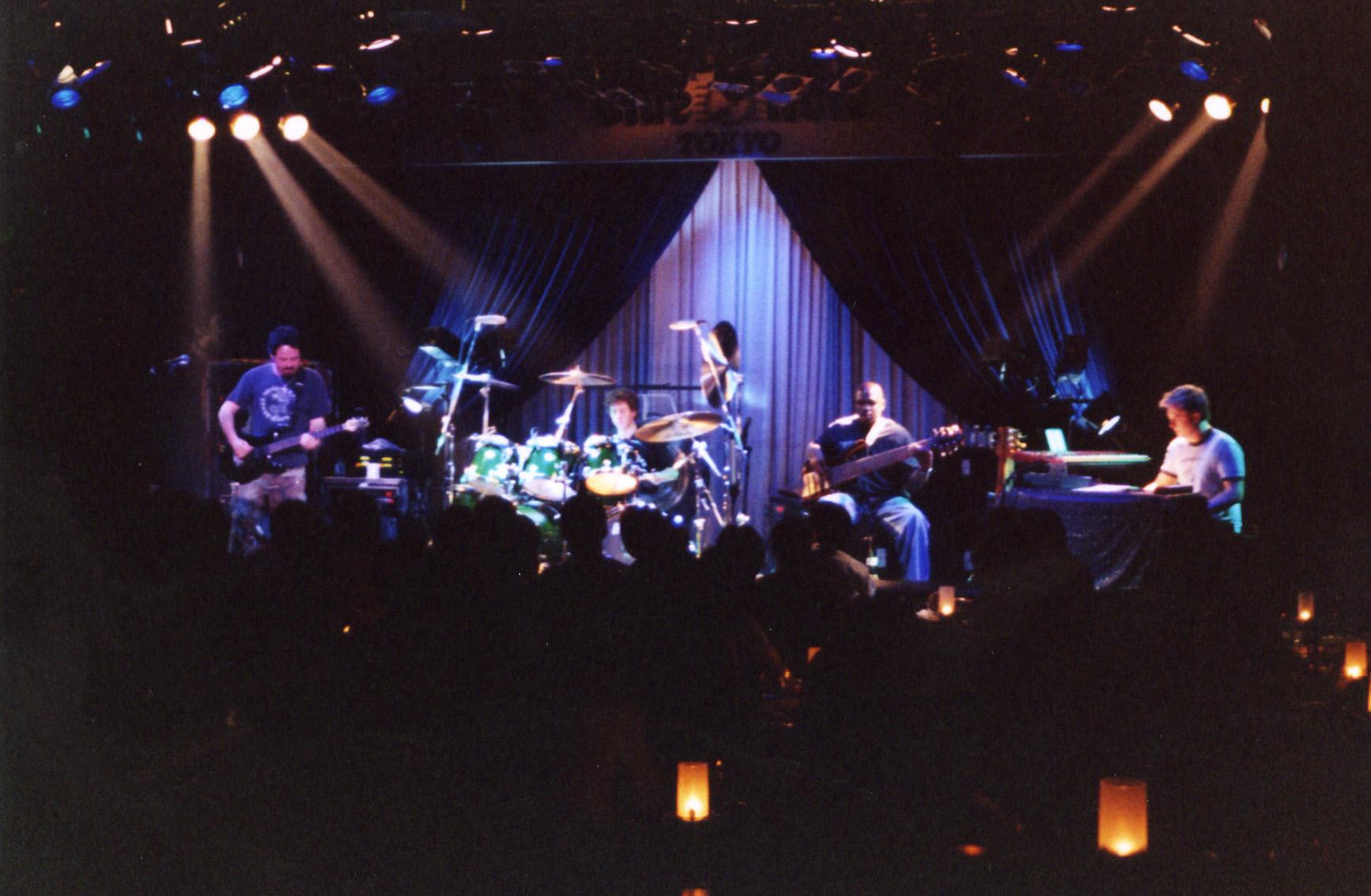 Doves of Fire w/ Steve Lukather, Simon Phillips & Melvin Davis, Tokyo 2001