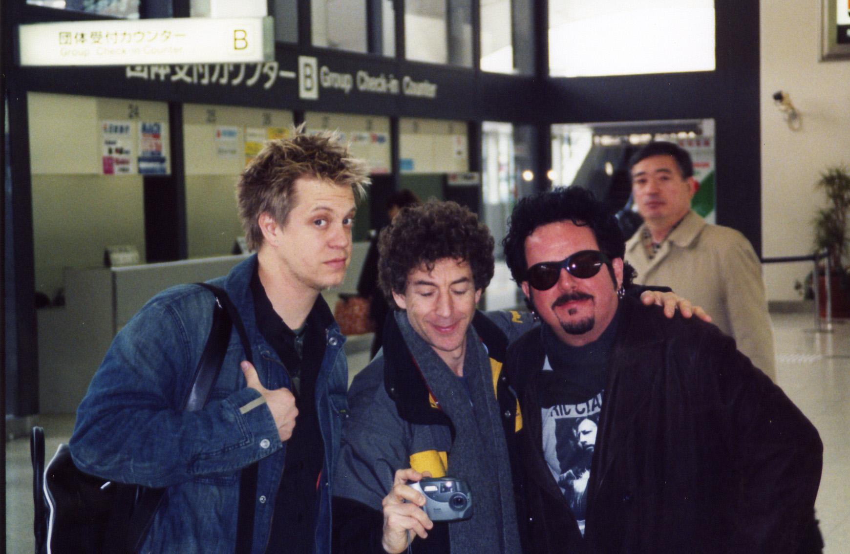w/ Simon Phillips & Steve Lukather arriving in Japan, 2001