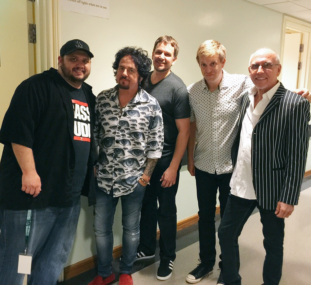 w/ Travis Carlton, Steve Lukather, Keith Carlock & Larry Carlton for the Luke & Larry 2015 Asia tour, Feb '15