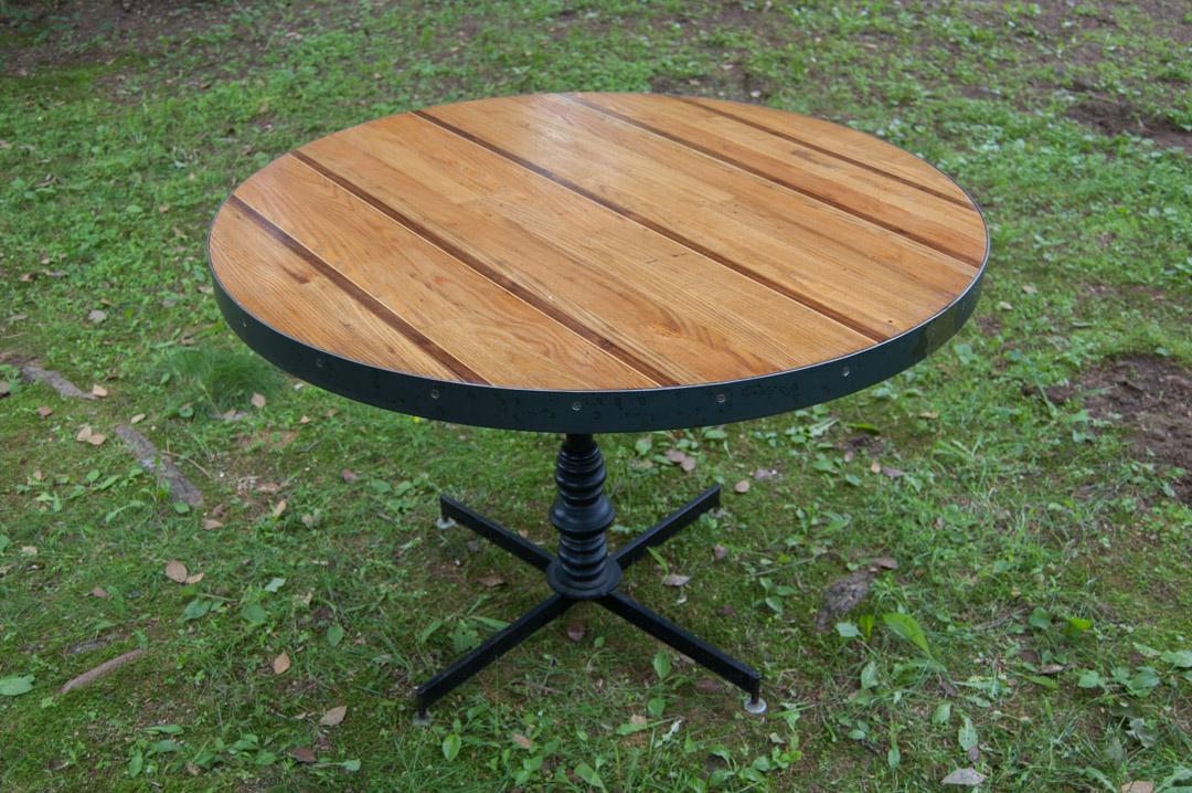 striped round table 5.jpg