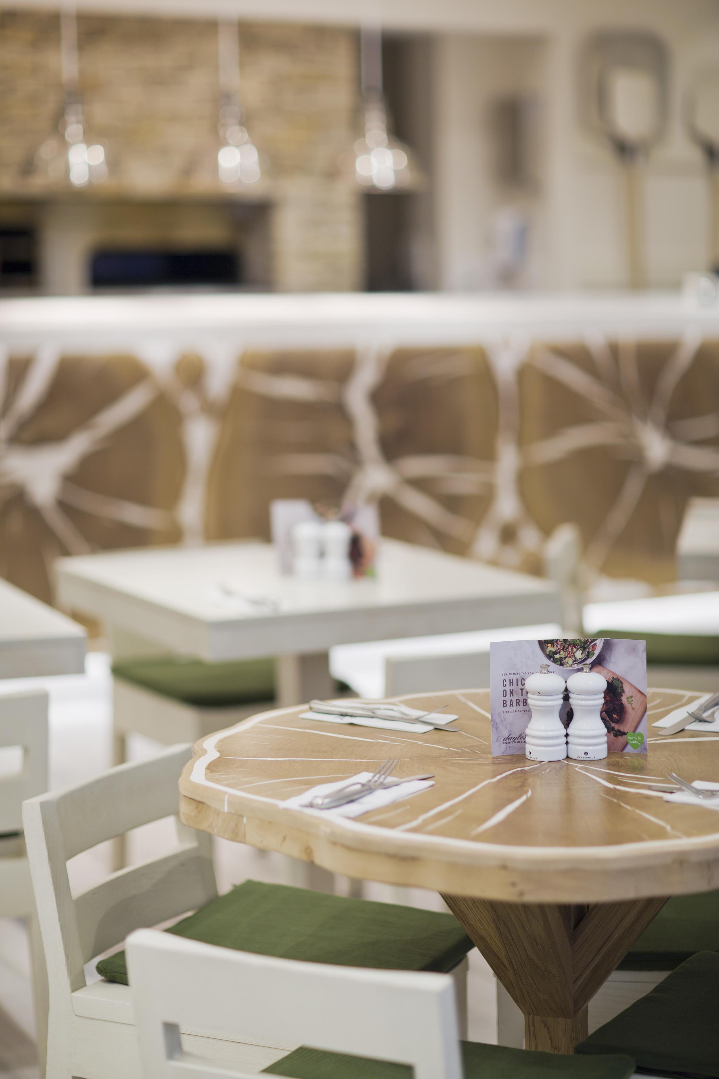 Marylebone Cafe 01.jpg