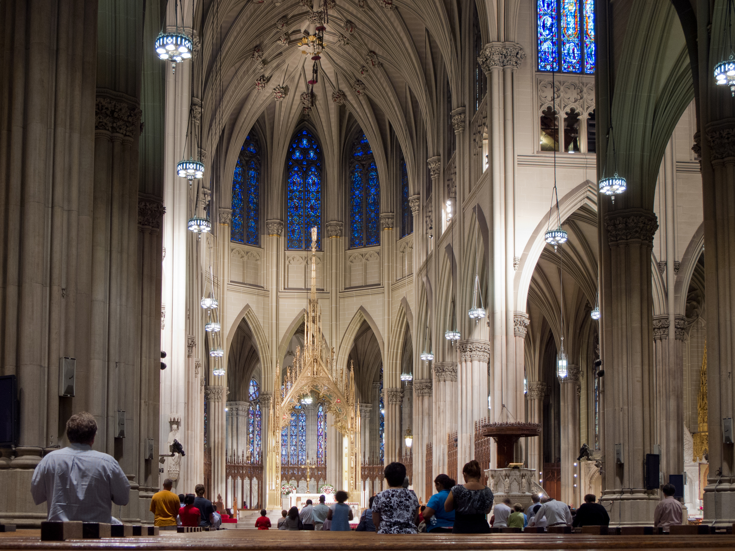 St._Patrick's_Cathedral_-_New_York_-_01.jpg