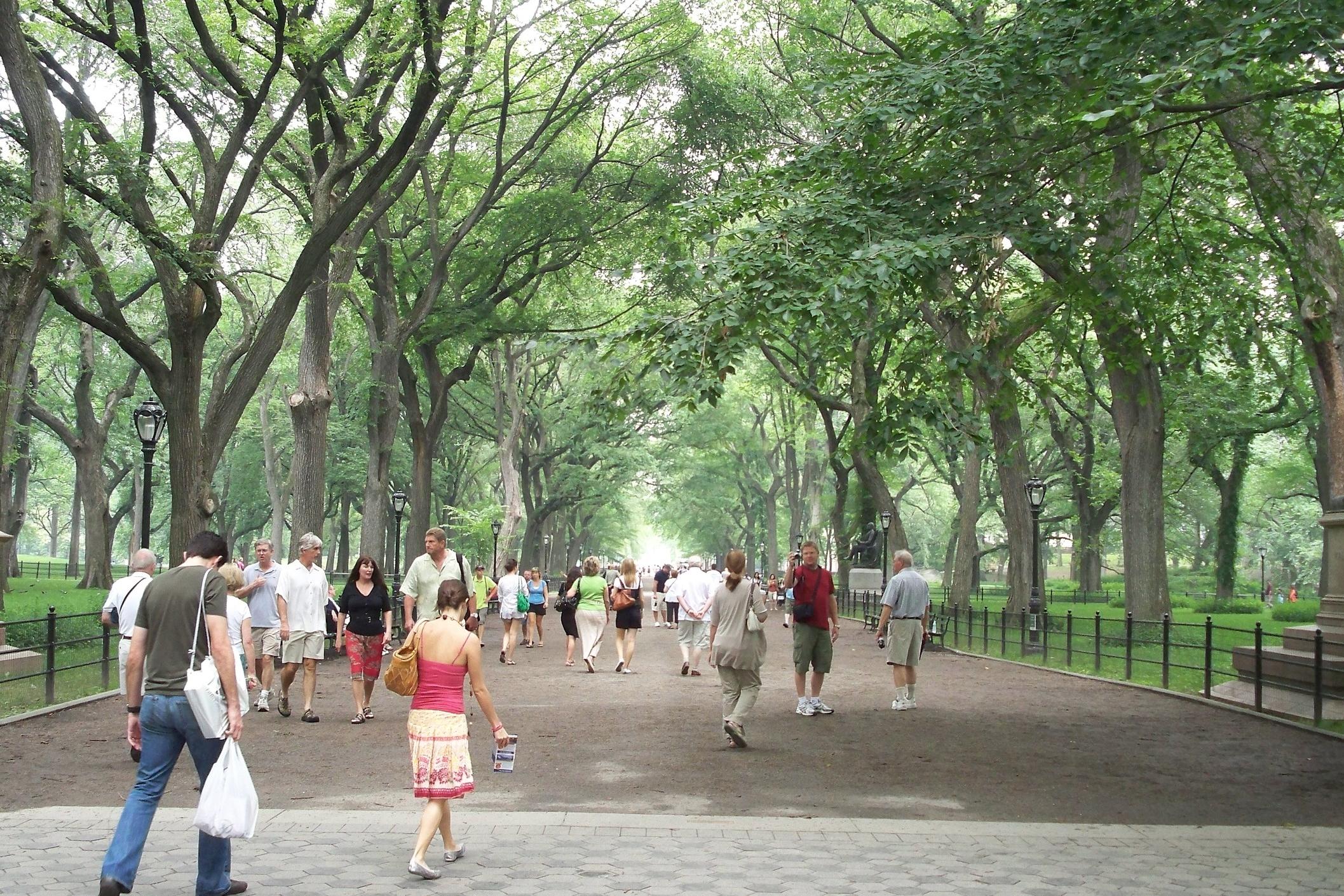 The_Mall_&_Literary_Walk,_Central_Park,_Manhattan,_NYC.JPG