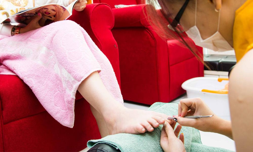 Manicure1000x600 - Copy.jpg