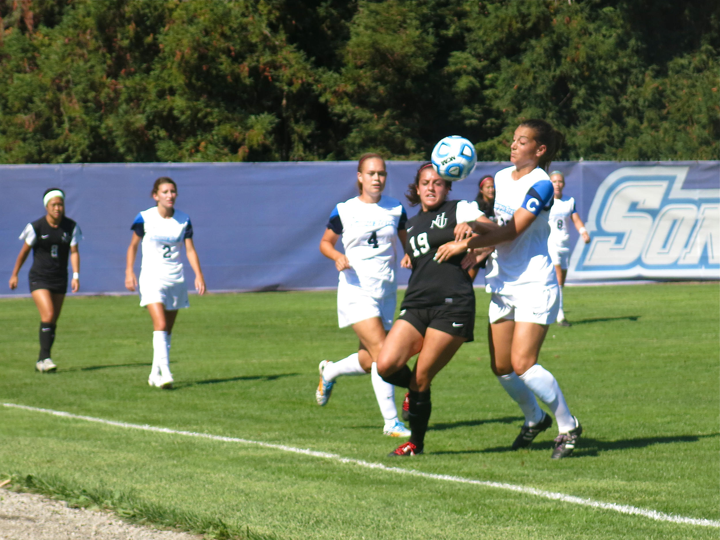 STAR // Maud Busson   Women's soccer stands at 4-0 this season.