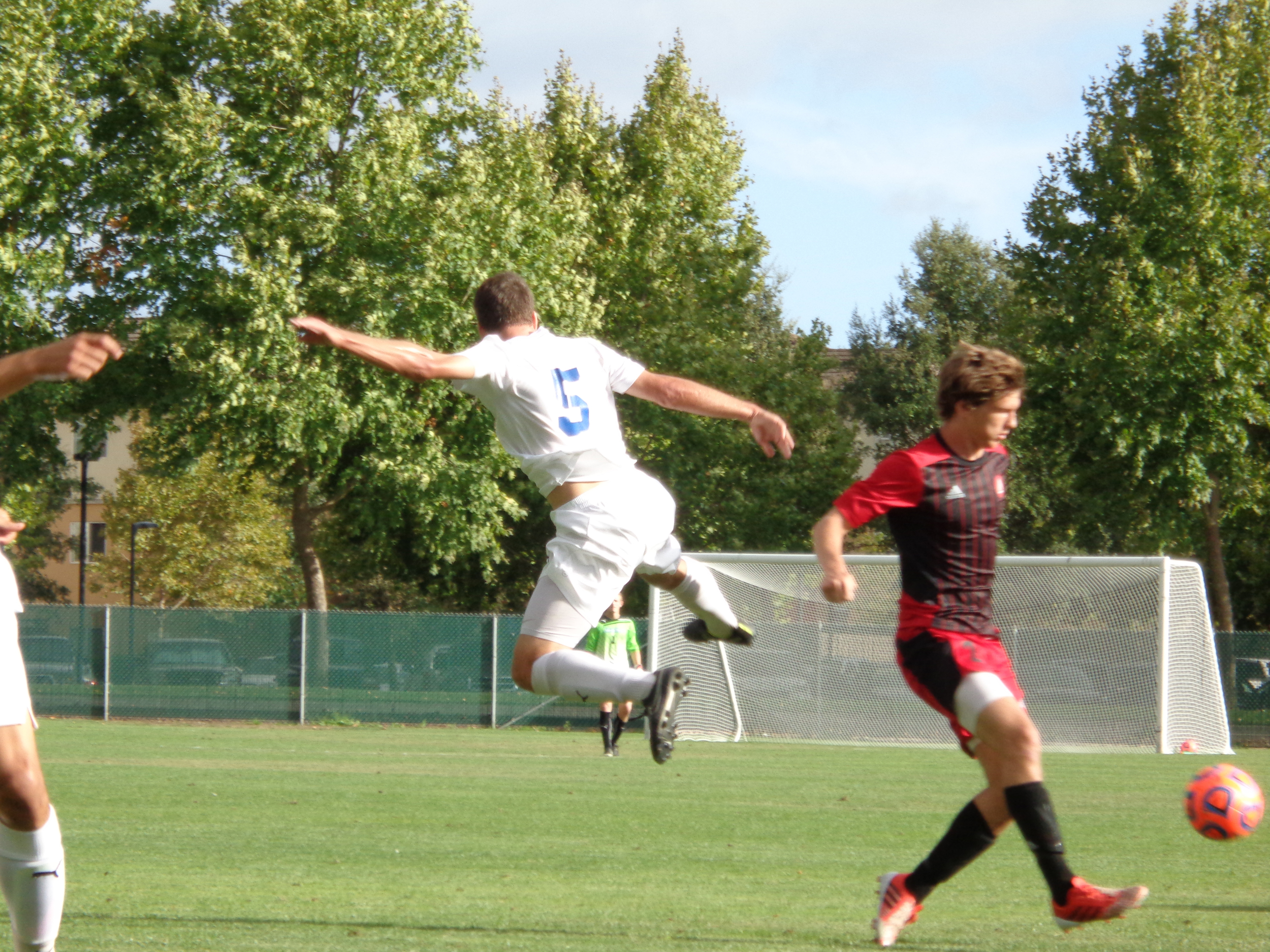 STAR // Jon Cappetta   Men's soccer ended up winning and losing last weekend and are now 4-2-0.