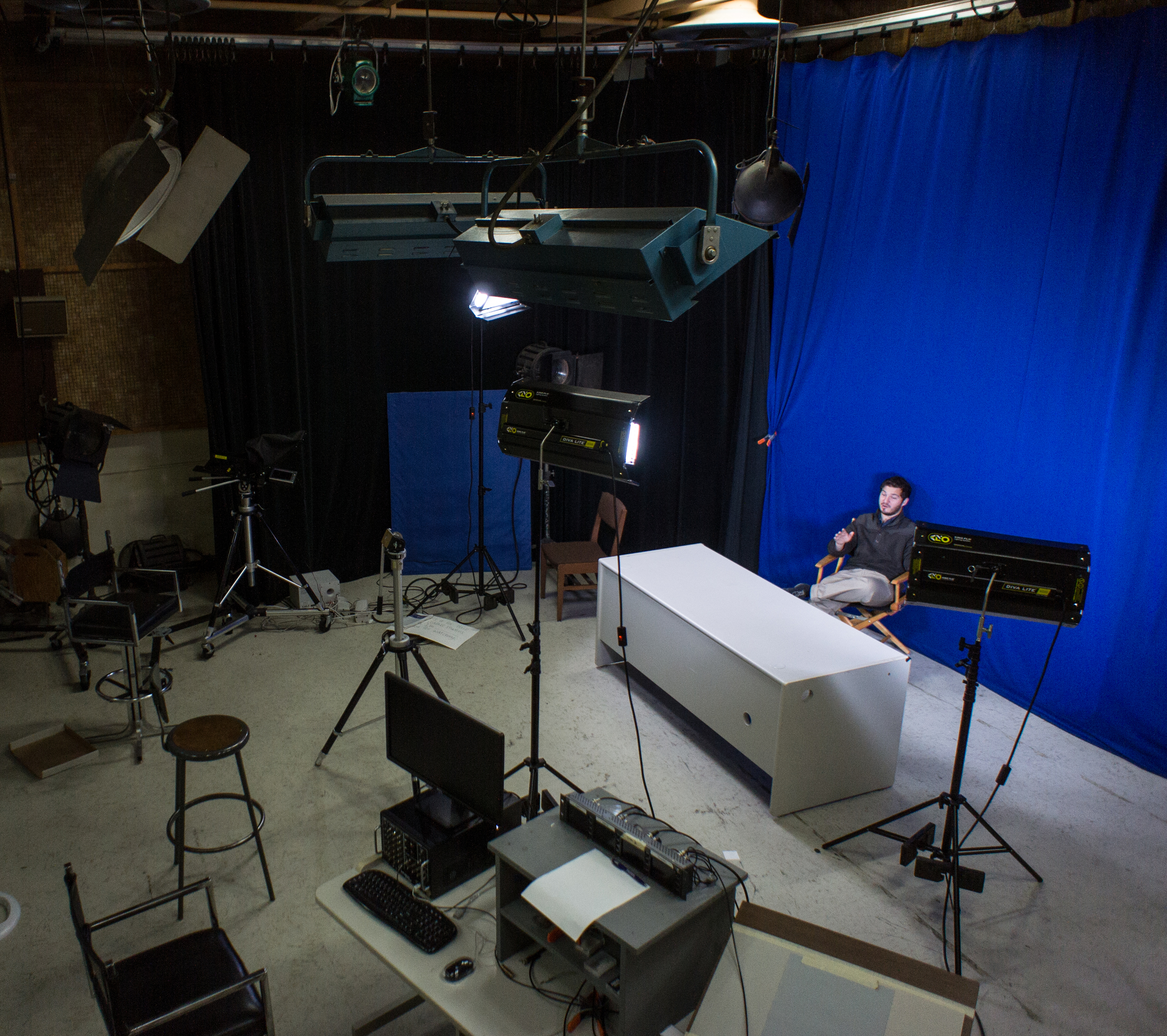 STAR // Gustavo Vasquez  SSU-TV General Manager Alex Bretow is filmed in the media outlet's studio room, Stevenson 1063. Communication& media studies majors and other students can enroll in COMS 369 to gain experience in the film and television industry.