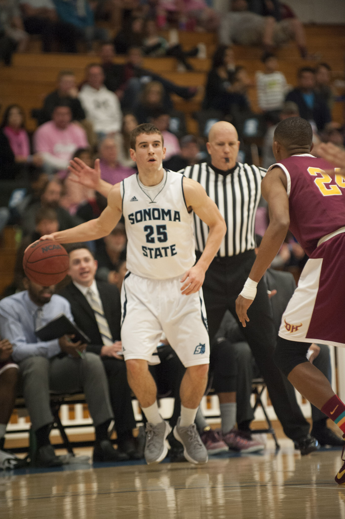 STAR // Connor Gibson   Junior guard David Ahern scored a career-high 25 points versus CSU Monterey Bay.