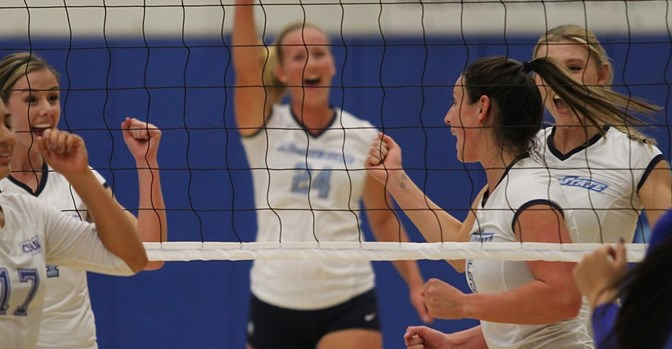 The Seawolves have won six conecutive matches to put them atop the CCAA.