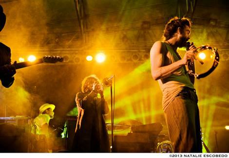 "facebook.com  ""Edward Sharpe and the Magnetic Zeros"" prove their sound hasn't changed with their new album, ""Live in no Particular Order."""