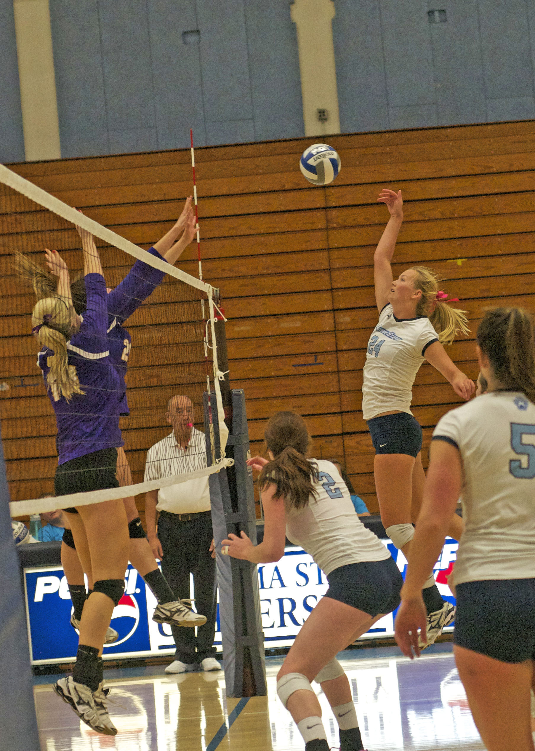 STAR// Nicole Detmers   Junior Lexi Reddick delivers the kill against SFSU on Friday night for Pack the Den.