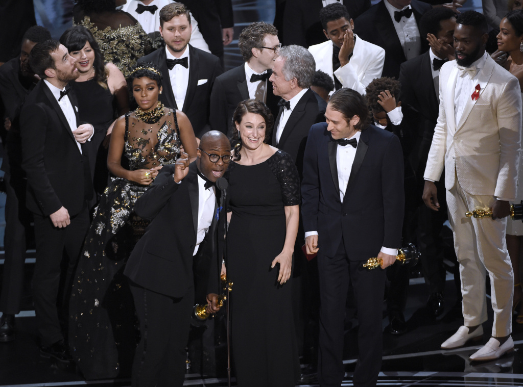 "facebook.com  Writer and director of ""Moonlight"" Barry Jenkins gives an emotional acceptance speech."