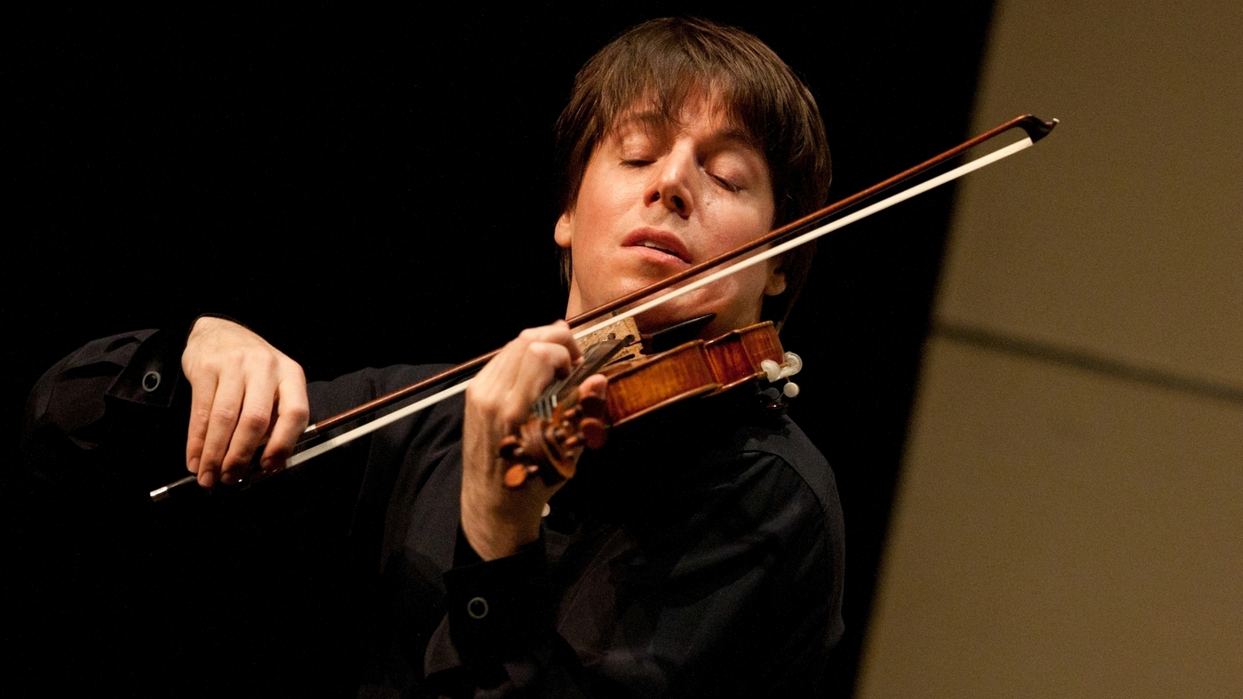 Violinist Joshua Bell performing. Courtesy of NPR.