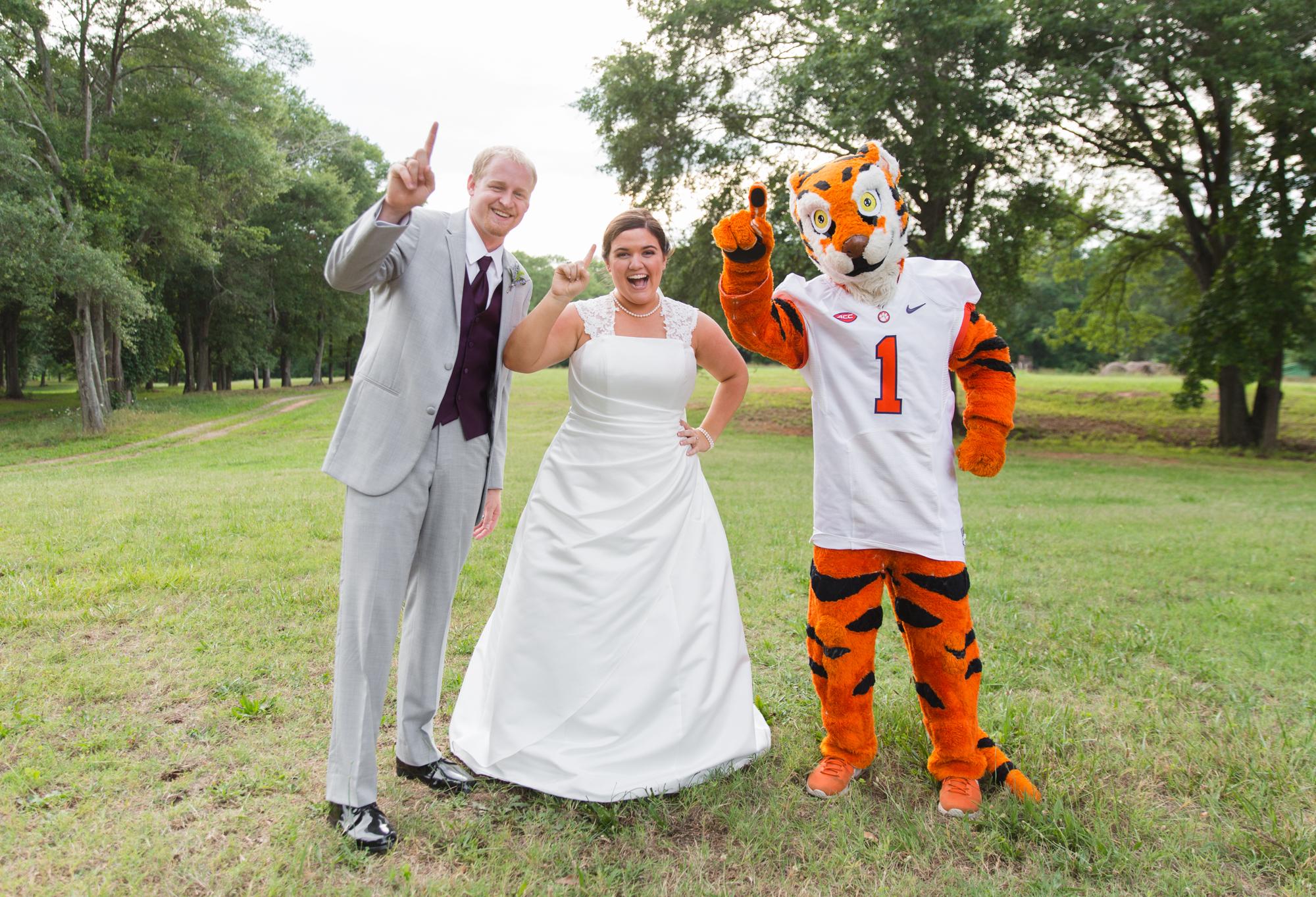 Lauren + Darren Ledbetter Wedding_DP_2016-4380.jpg