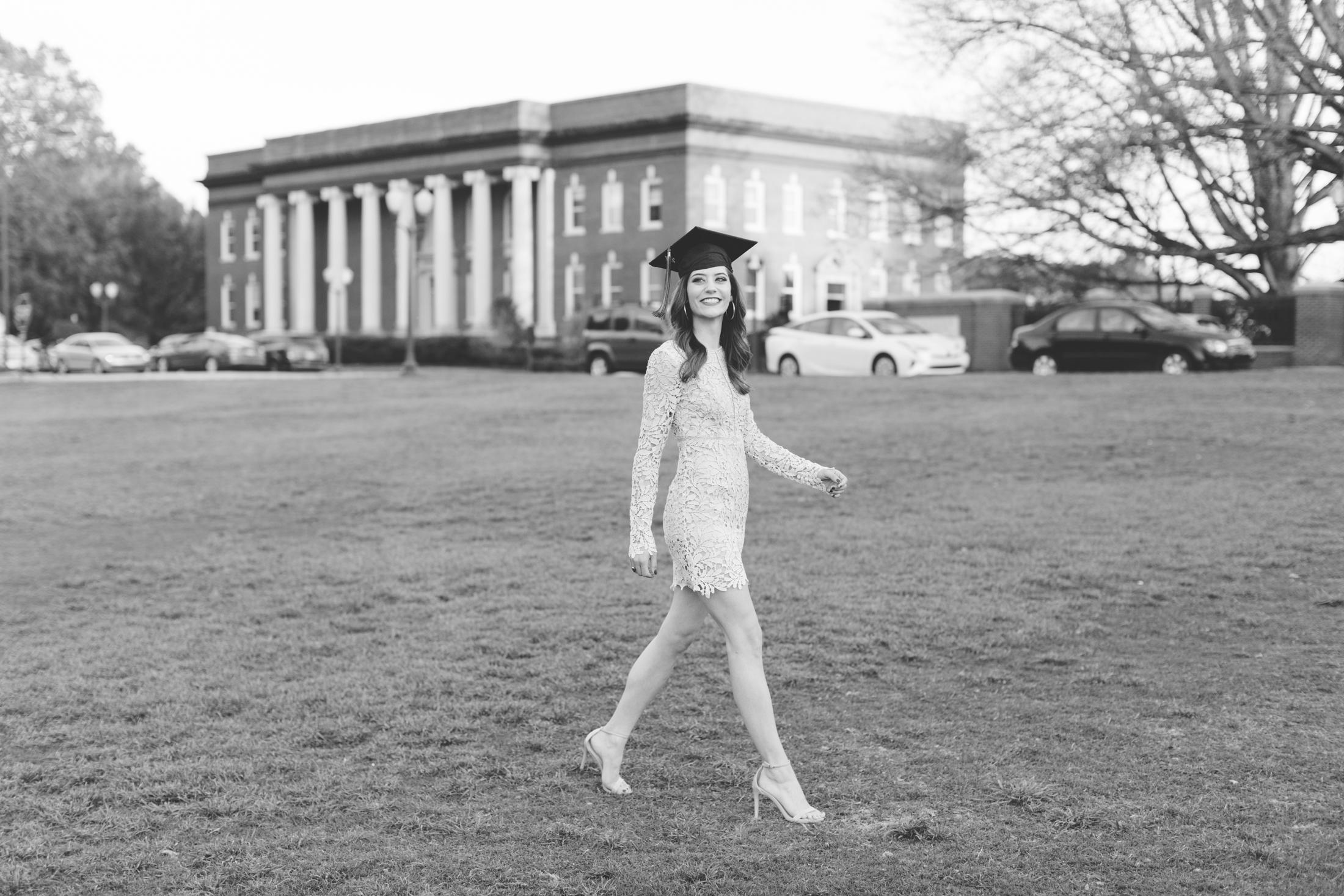 Lindsay Wagner-Clemson University Senior Photos_2017-7979.jpg